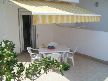258_le-sorgenti-case-vacanza_appartamenti_le_sorgenti_veranda2.jpg