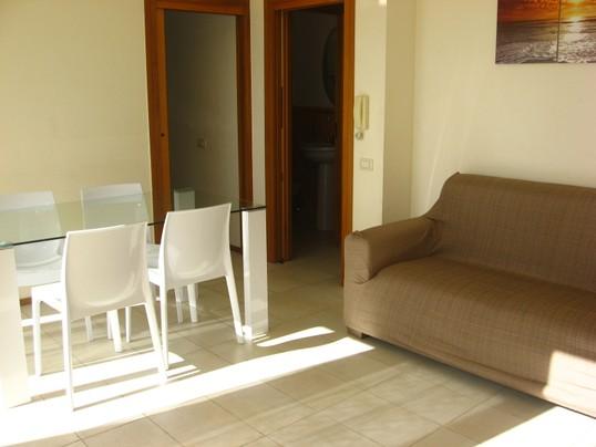 259_villetta-capu-baia-verde_villetta_capu_a_gallipoli_baia_verde_soggiorno_1.jpg