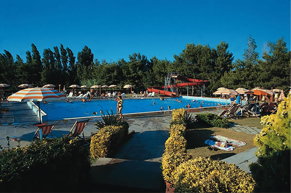 264_residence-julia_villaggio_residence_julia_piscina1.jpg.jpg