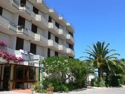 265_hotel-parco-degli-aranci_6_facciata.jpg