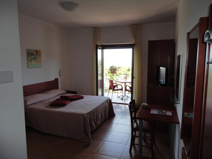 267_hotel-delle-more_hotel_delle_more_vieste_camera_delux.jpg