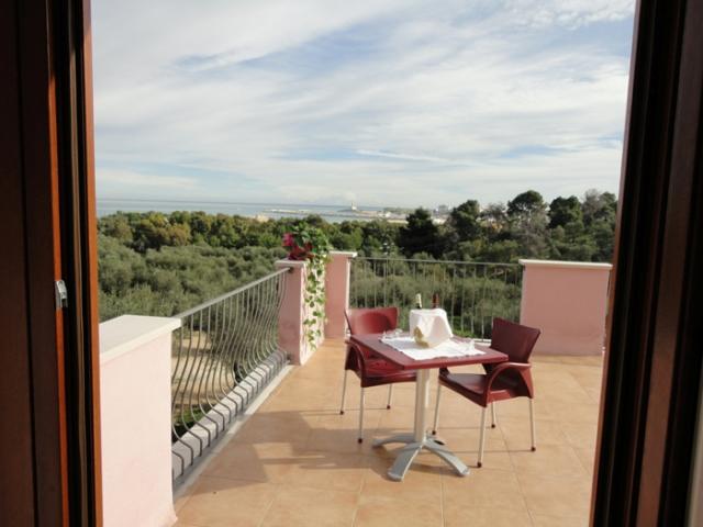 267_hotel-delle-more_hotel_delle_more_vieste_camera_superior.jpg