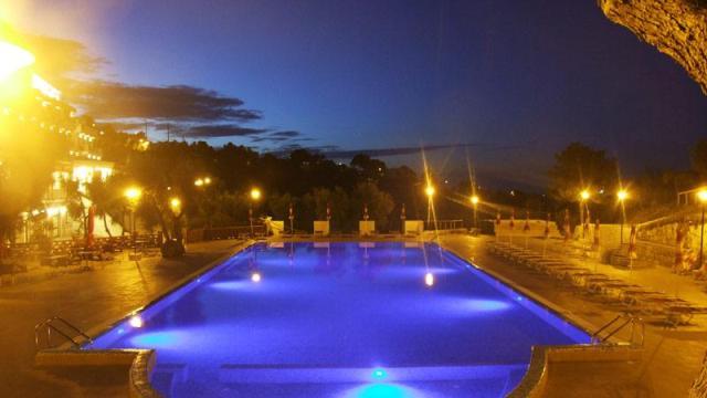 267_hotel-delle-more_hotel_delle_more_vieste_piscina2.jpg