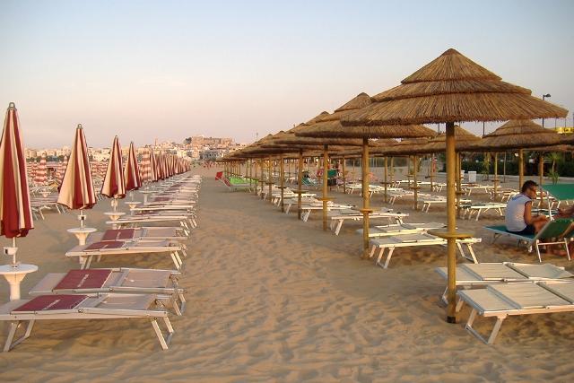 267_hotel-delle-more_hotel_delle_more_vieste_spiaggia3.jpg