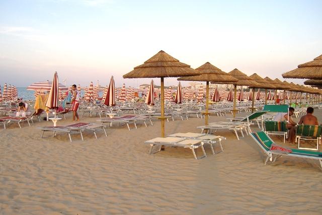 267_hotel-delle-more_hotel_delle_more_vieste_spiaggia4.jpg