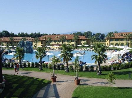 271_rocca-nettuno-garden-village_piscina_giorno.jpg