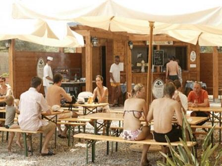271_rocca-nettuno-garden-village_ristoro.jpg