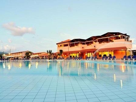 272_nicotera-beach-village_piscina4.jpg