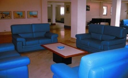 278_centro-soggiorno-il-belvedere_2_hall.jpg