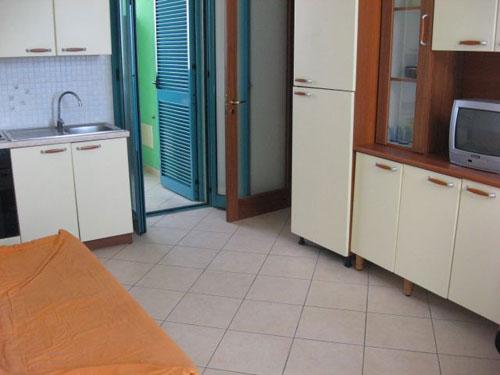 279_appartamenti-green-baia-verde_trilo_green_soggiorno.jpg