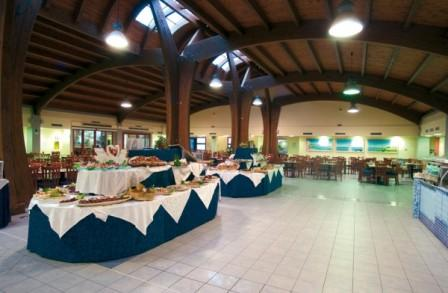27_blu-salento-village_buffet_ristorante.jpg