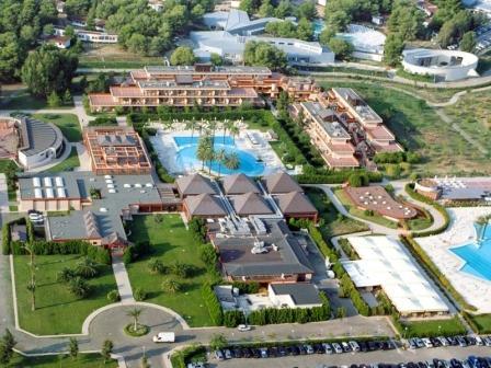 280_il-valentino-grand-village_valentino_villaggio_vista_aerea.jpg