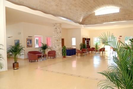 28_dolmen-sport-resort_hall.jpg