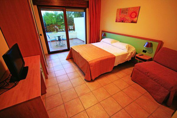 292_villaggio-club-eden-hotel_camera.jpg