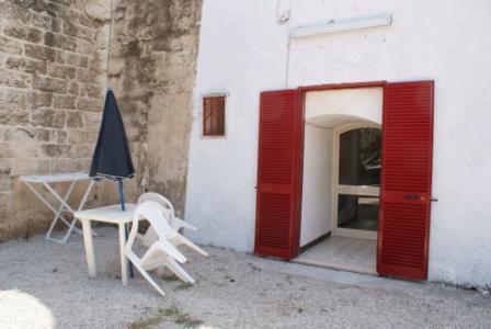 294_masseria-salmenta_ombrelloni.jpg