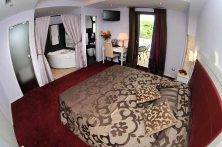 301_relais-la-fontanina-ristorante-wine-hotel_camera_superior4.jpg
