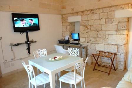 301_relais-la-fontanina-ristorante-wine-hotel_lamia_suite.jpg