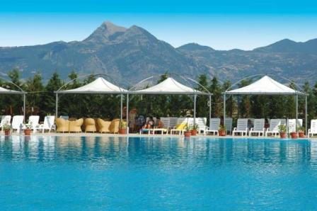 308_minerva-club-resort-club-hotel_piscina-vista-monti.jpg