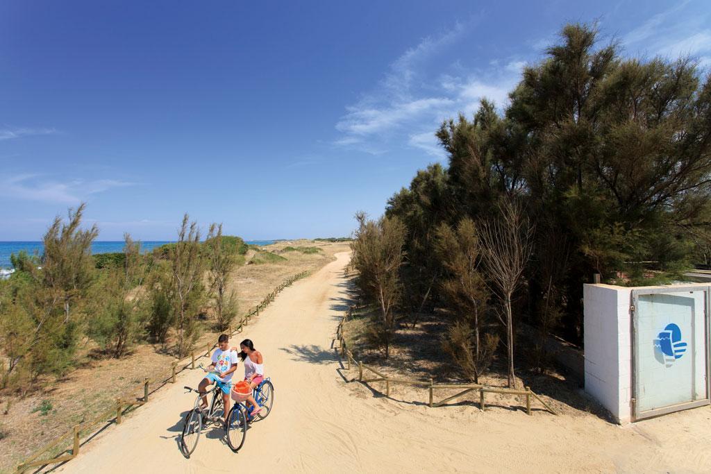 309_meditur-village-villaggio-chalet_meditur_accesso_alla_spiaggia.jpg