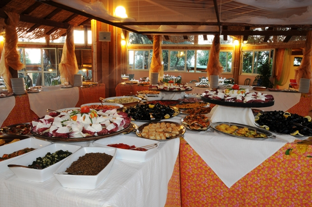 312_villaggio-uliveto_villaggio_uliveto_gargano_buffet.jpg