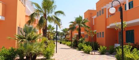 314_baia-malva-resort_viali_camere.jpg