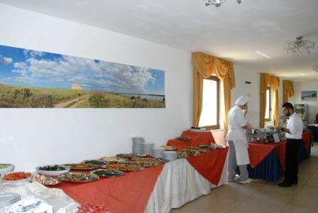 315_torre-guaceto-resort_buffet.jpg