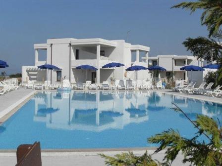 315_torre-guaceto-resort_ombrelloni.jpg