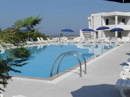 315_torre-guaceto-resort_piscina4.jpg