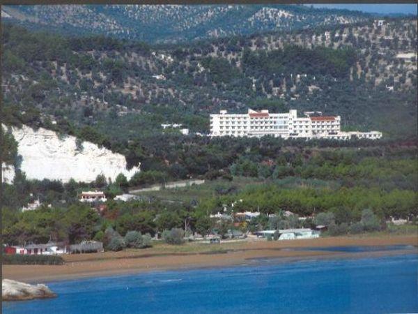 321_villaggio-santa-lucia_13_panorama_centro_soggiorno.jpg