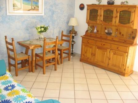 322_appartamento-garofani-_baia_verde_trilo_garofani_soggiorno.jpg