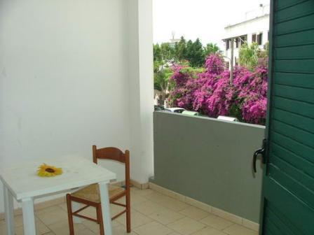 324_appartamenti-rivabella_appartamenti_rivabella_gallipoli_balcone.jpg
