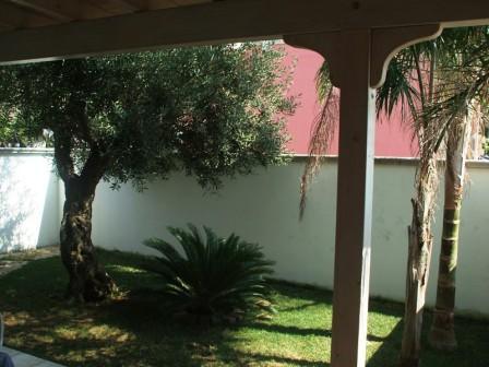 325_villetta-dandolo-02_villetta_dandolo_torre_san_giovanni_giardino_3.jpg