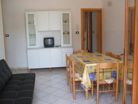 329_villetta-mare-verde-023_villetta_mare_verde_torre_san_giovanni_soggiorno.jpg