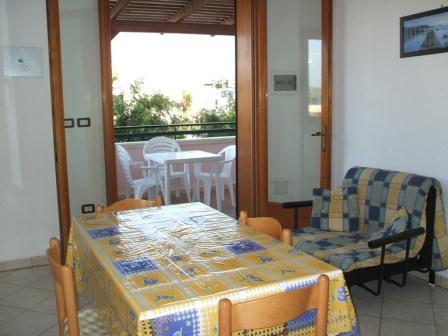 330_villetta-mare-verde-024_villetta_mare_verde_24_soggiorno_torre_san_giovanni.jpg