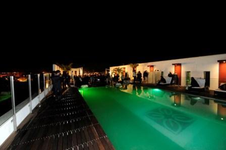 342_hotel-hilton-garden-inn-lecce_piscina_notturna1.jpg