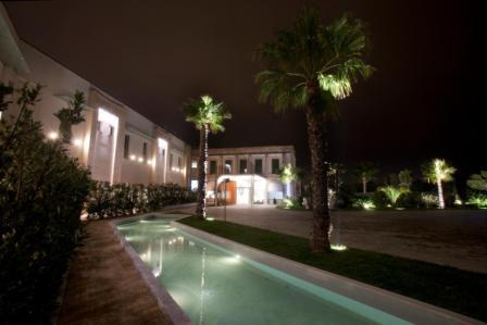 343_arthotel&parklecce_entrata_notturna.jpg