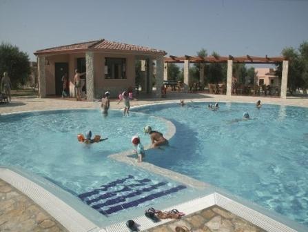 Santa maria residence club vieste puglia for Piscinas merino