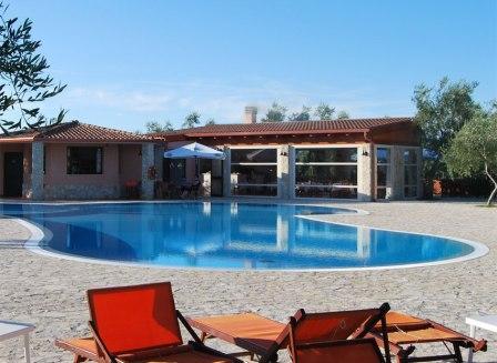 347_santa-maria-residence-club_6-piscina.jpg