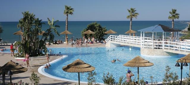 Puglia gargano - Villaggi con piscine e scivoli ...