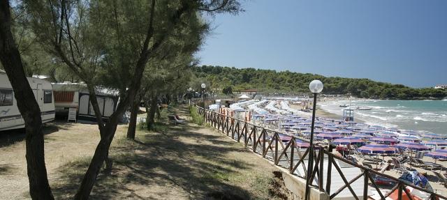348_villaggio-camping-manacore_vista-spiaggia.jpg