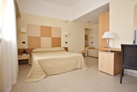 354_maritalia-hotel-club-village_camera4.jpg