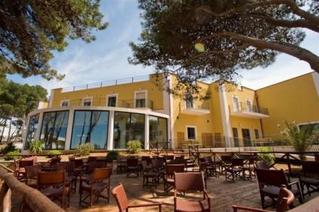 358_hotel-village-orchidea-blu_1-facciata-hotel.jpg