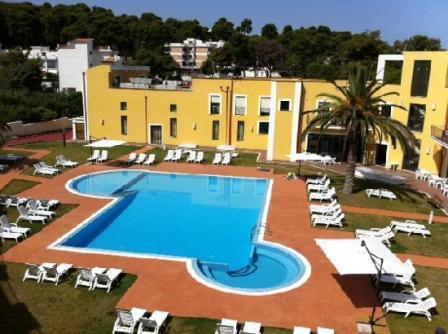 358_hotel-village-orchidea-blu_6-piscina.jpg