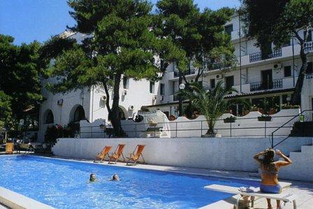 361_paglianza-paradiso-park-hotel_3-piscina.jpg