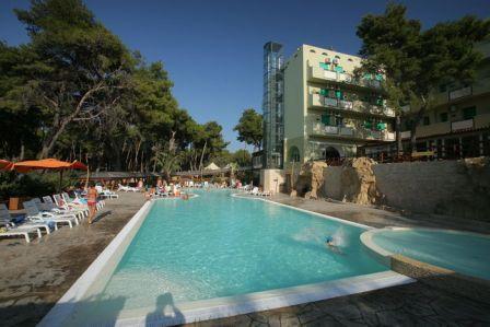 361_paglianza-paradiso-park-hotel_4-piscina.jpg