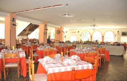 363_hotel-villaggio-plaia_interno_ristorante.jpg
