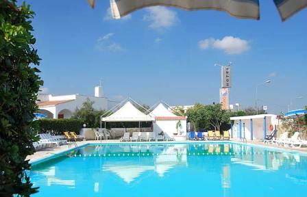 363_hotel-villaggio-plaia_piscina_1.jpg
