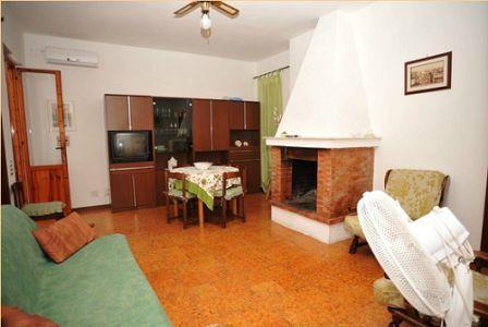 366_appartamenti-colle-azzurro_soggiorno-trilo.jpg