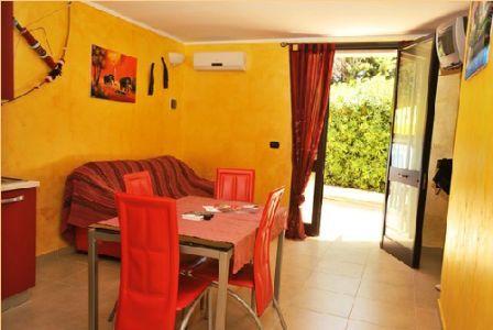 366_appartamenti-colle-azzurro_soggiorno2.jpg