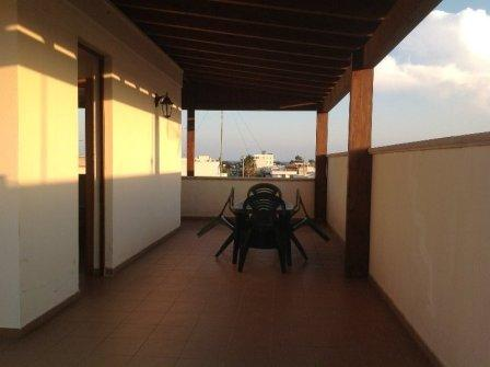 367_appartamento-elba-010_esterno-tettoia-mansarda2.jpg